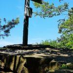 Exhelmer Stein mit Gipfelkreuz