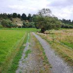 Wanderweg im Flusstal